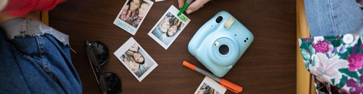 Fujifilm Instax - Fotocamere istantanee, stampanti e pellicole Fuji!